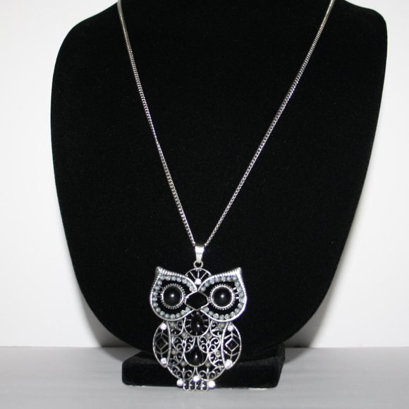 Beautiful silver long chain owl necklace